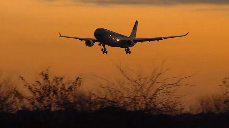 Llegó un nuevo vuelo de Aerolíneas Argentinas con otras 768.000 vacunas Sinopharm