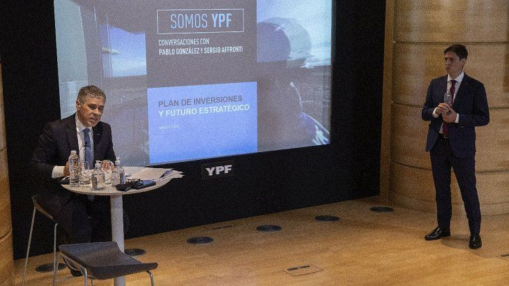 De las conversaciones virtuales, también participó el CEO de YPF, Sergio Affronti.