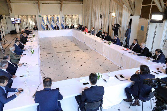 Alberto Fernández con gobernadores: Estamos ante un default virtual