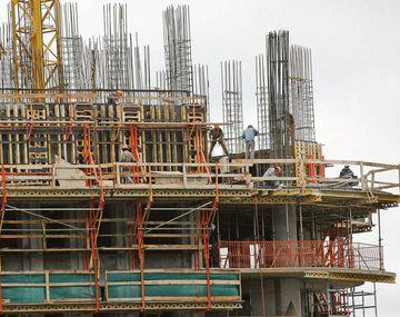 Construcción. Crece esta modalidad por las dificultades para vender y el sobrestock existente.