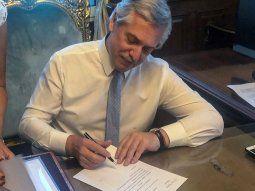 El presidente Alberto Fernández promulgó la Ley 27.591 a través del Decreto 990/2020.