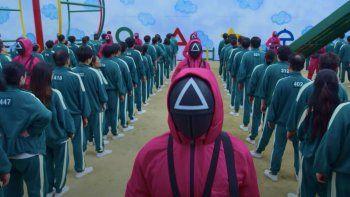gran demanda de trajes de el juego del calamar anima al sector textil en corea del sur