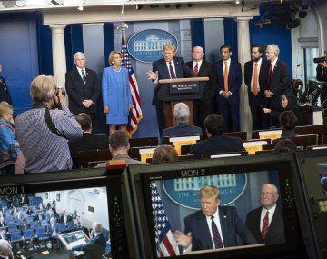 Los asesores de Trump creen que la exposición diaria perjudica su campaña electoral.