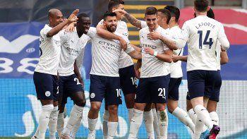 Agüero volvió al gol y el Manchester City está a un punto de ser campeón.