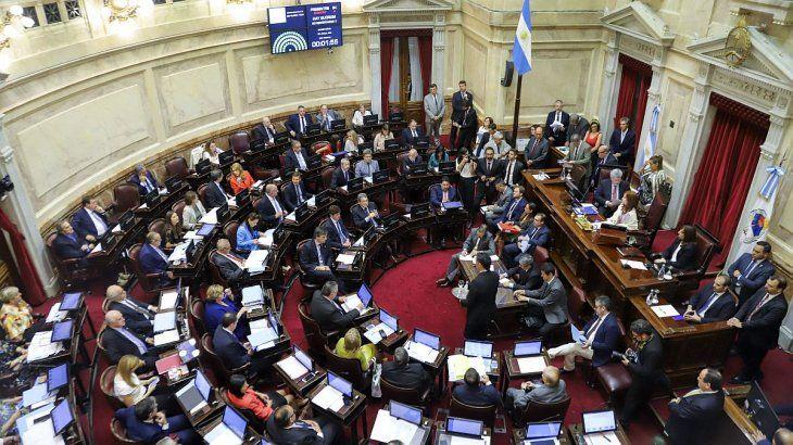 La sesión especial en el Senado comenzó pasadas las 16.