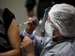 OMC busca que se produzcan más vacunas en más países para una distribución más equitativa.