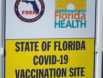 CARPAS. Miami inauguró el fin de semana la vacunación en la arena.Desde las carpas en la playa se llamaba a vacunar. Ya casi no existenrequisitos para que extranjeros accedan a las dosis de acuerdo a lavacuna que toque.