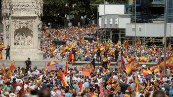 La derecha de España se movilizó contra el plan de Sánchez de indultar a los líderes independentistas de Cataluña.