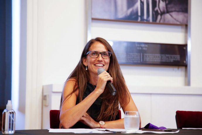 Elizabeth Gómez Alcorta en el Salón de las Mujeres de Casa Rosada.