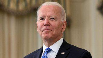 El presidente Biden propone pagar a quienes se vacunen en EEUU.