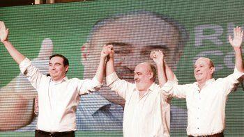 otros tiempos. Los radicales Gustavo Valdés y Ricardo Colombi, junto a Gustavo Canteros, en tiempos de unidad. Esta vez irán por separado.