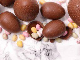 Algunas estrategias para comer lo justo es comprar poca cantidad, ya sea un huevo pequeño para cada uno o algún huevo grande para compartir en familia.