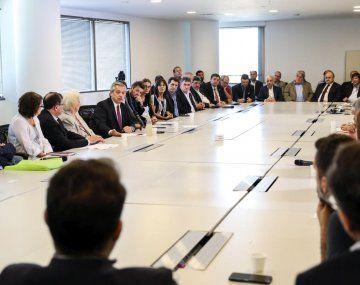 Alberto Fernández encabezó una reunión con empresarios, sindicatos, y organizaciones sociales, en pos de construir una iniciativa para terminar con la desnutrición.