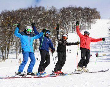 Contraste. El centro de esquí Perito Moreno espera un buen nivel de demanda porque apunta a un público de mercado interno. Este año sumó más pistas y medios de elevación.