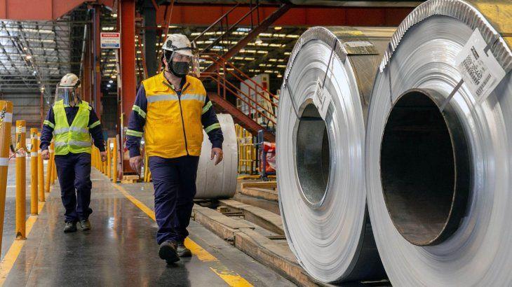 de-acuerdo-datos-la-camara-argentina-del-acero-la-produccion-acero-crudo-subio-243-interanual