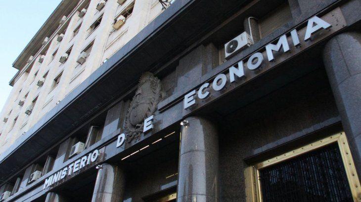 Cobertura contra el dólar y mayor tasa, la demanda del mercado para volver a financiar al Tesoro