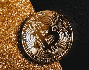 El valor del bitcoin se ha más que duplicado en 2021, después de cuadriplicarse el año pasado.