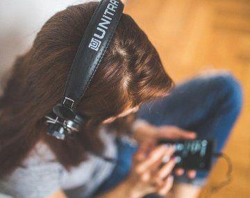 Aficionados a la música pasaron más tiempo escuchando canciones durante la pandemia