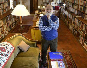 Alberto Manguel dona su biblioteca a Lisboa