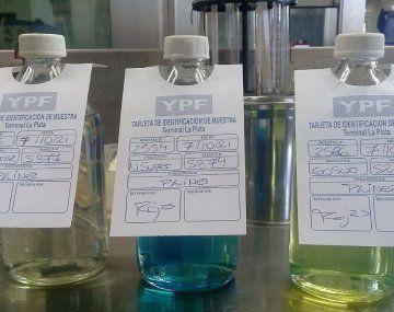¿Por qué la nafta Súper tiene color azul?