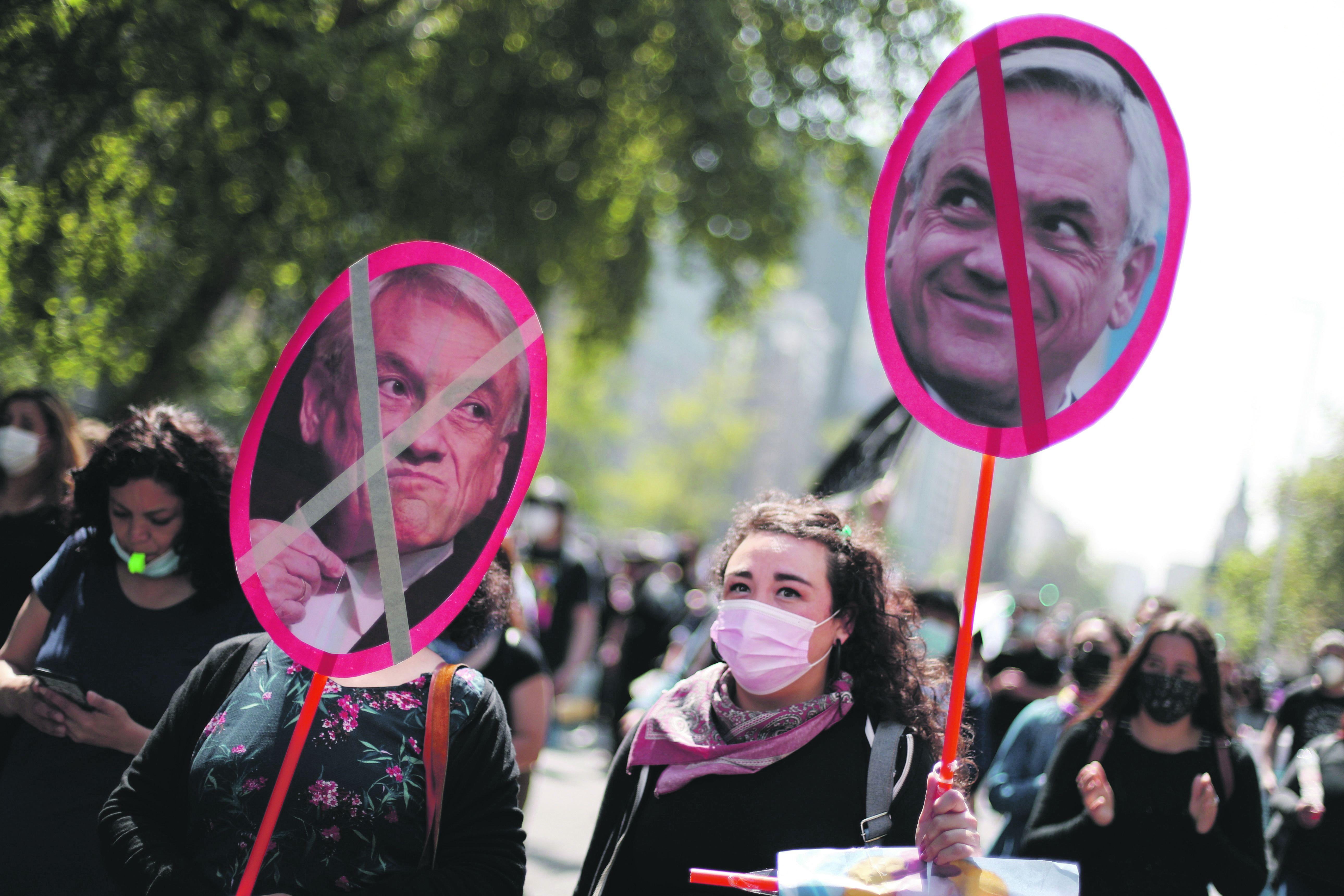 REPUDIO. Santiago fue escenario de protestas contra el presidente Sebastián Piñera.