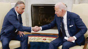 """ALIANZA. El presidente Joe Biden se reunió con el primer ministro iraquí Mustafá al Kazimi en la Casa Blanca. """"Nuestra relación es más sólida que nunca"""", dijo el demócrata."""