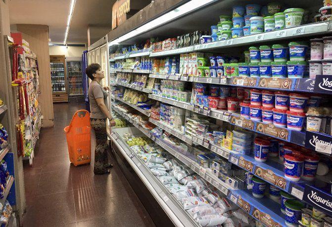 Los alimentos que integran la canasta básica deberán subir no más del 7%