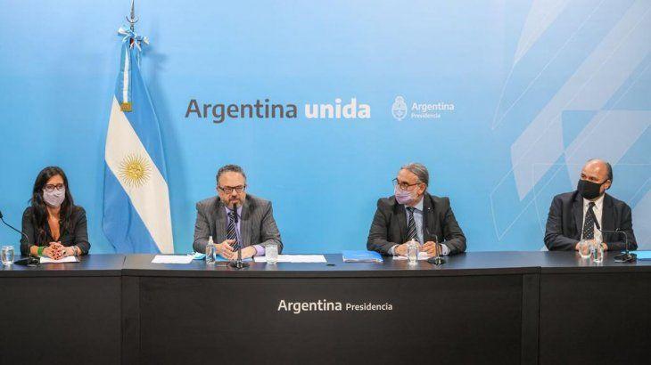 la-secretaria-comercio-interior-paula-espanol-junto-al-ministro-desarrollo-productivo-matias-kulfas-