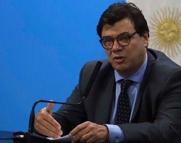 """El ministro de Trabajo, Claudio Moroni, reclamó muestras de responsabilidad"""" a los sindicatos y empresarios."""