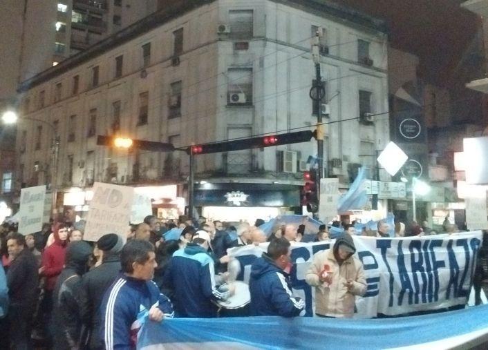 En Quilmes miles de usuarios participaron de la manifestación.