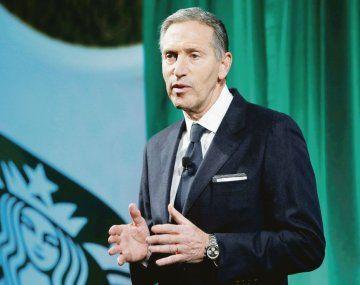 ensayo. Howard Schultz, expresidente de Starbucks, dijo que quiere explorar como candidato presidencial una tercera vía en Estados Unidos.