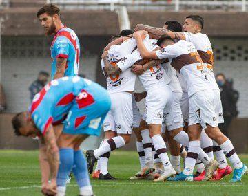 Platense le ganó a Arsenasl en la Liga Profesional.
