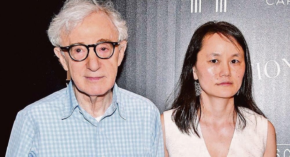 """Woody Allen y Soon Yi. El matrimonio del director de """"Manhattan"""" con la hija adoptiva de Mia Farrow ya lleva dos décadas."""