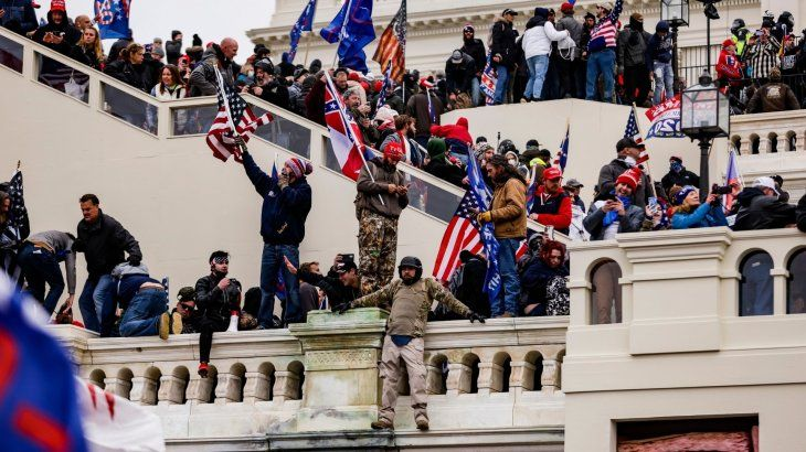 postal-el-6-enero-militantes-pro-trump-asaltaron-el-capitolio