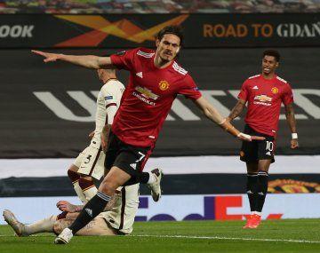 El uruguayo Edinson Cavani marcó por duplicado en la goleada de Manchester United a Roma.