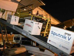 partio el 14° vuelo a rusia: volvera este domingo con nuevas vacunas sputnik v