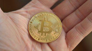 bitcoin piso el freno tras un informe que advierte por posible burbuja