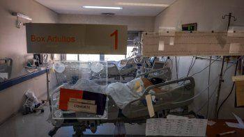 decretan cinco dias de duelo nacional por los mas de 100 mil muertos por covid-19 en el pais
