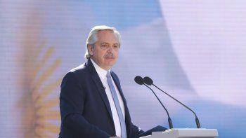 """""""Vamos a seguir trabajando para que en Argentina se terminen las diferencias"""", afirmó el Presidente en el Día de la Bandera."""