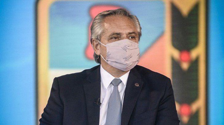 Alberto Fernández continúa estables.