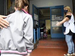 habilitan un canal de denuncias para padres y docentes presionados a acatar la presencialidad