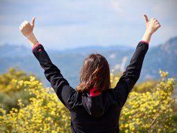 Se puede entrenar la mente para pensar en positivo y así sentir la energía en el cuerpo.