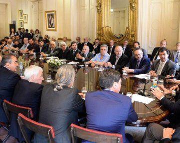 La reunión multisectorial se desarrolló en Casa Rosada.