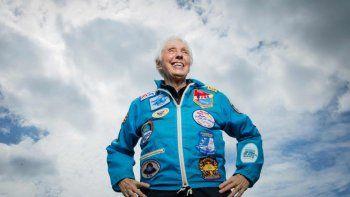 la revancha de wally funk contra la discriminacion en la nasa: a los 82 anos, viajo al espacio