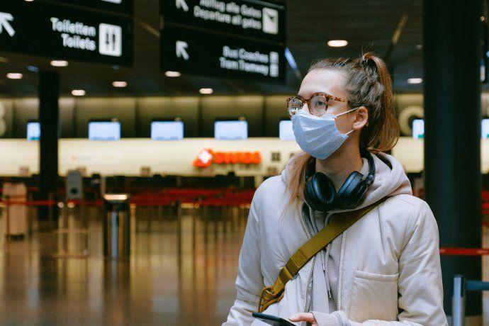 El Ministerio de Salud recomendó evitar viajes al exterior por la aparición de nuevas cepas