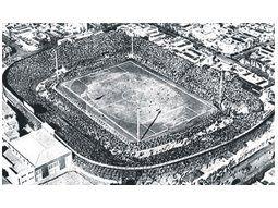 Una imagen del Gasómetro de avenida La Plata, aquel mítico estadio ubicado en el barrio de Boedo que fue demolido por la dictadura.