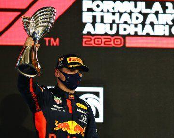 Max Verstappen ganó la última carrera del año en la F1 en Abu Dhabi.