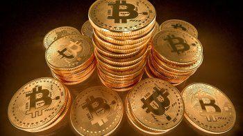 ¿termino el panico? el bitcoin se recupera y esto dicen los analistas