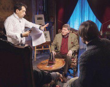 En rodaje. Daniel de la Vega con Osmar Núñez durante la filmación de la secuencia de la hipnosis.