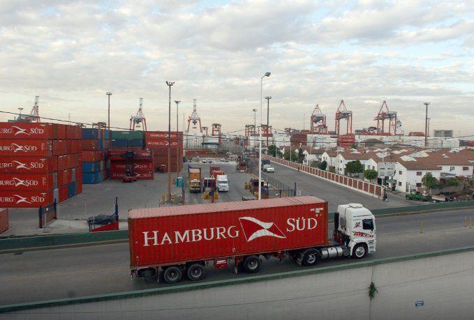 Las importaciones saltaron 68,7% en marzo y el superávit comercial se redujo a u$s400 millones